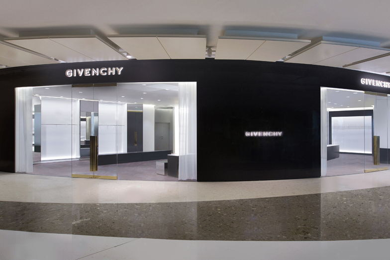 GIVENCHY IFC MALL - MEN - Shanghai (上海市)