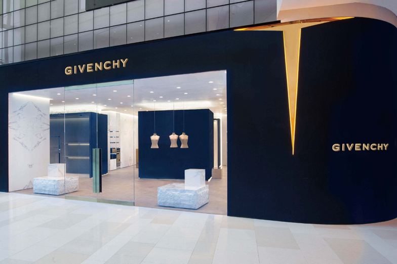 Givenchy iapm - WOMEN/MEN - Shanghai
