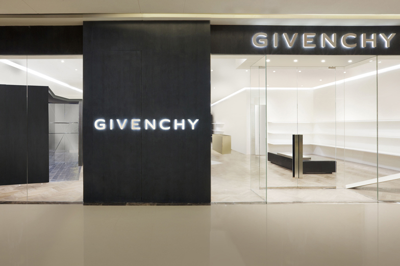 GIVENCHY GALAXY MALL - WOMEN/MEN - Tianjin
