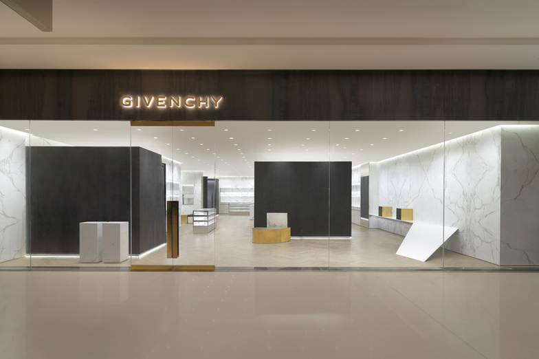 GIVENCHY CHENGDU IFS - WOMEN/MEN - Chengdu