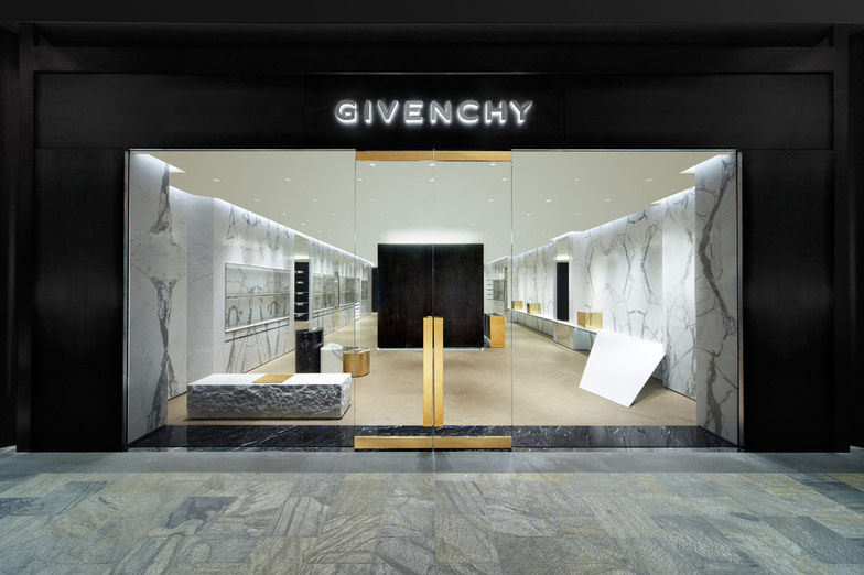 GIVENCHY MARINA BAY SANDS - WOMEN/MEN - Singapore
