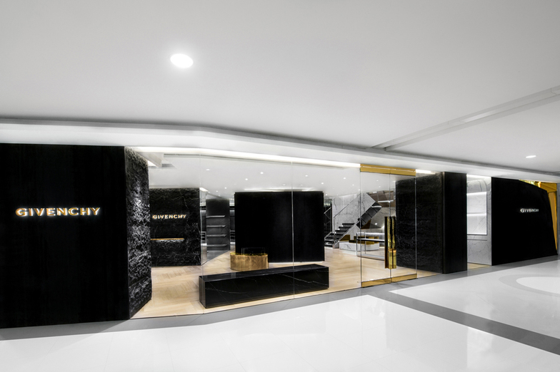 GIVENCHY OCEAN CENTRE - WOMEN/MEN - HONG-KONG