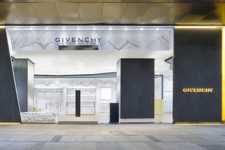 GIVENCHY PLAZA 66 - WOMEN/MEN - Shanghai