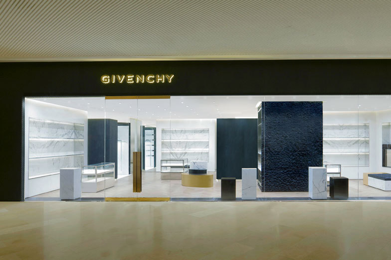 GIVENCHY GUANGZHOU - WOMEN/MEN - GUANGZHOU