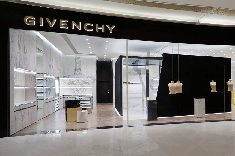 GIVENCHY Lotte Avenuel World Tower - WOMEN/MEN - Seoul