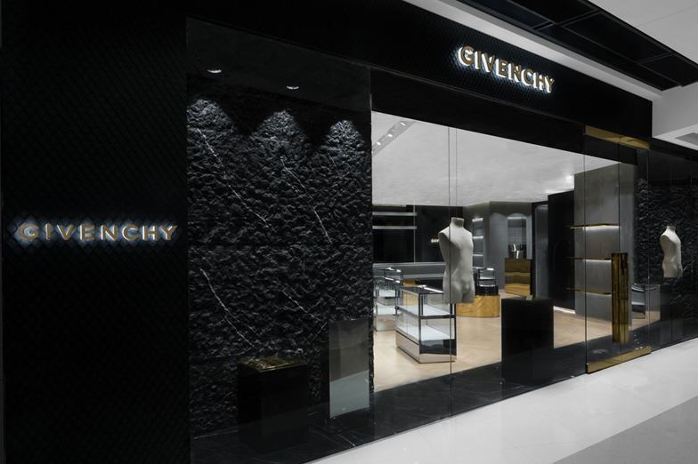 GIVENCHY IFC MALL - MEN - HONG-KONG